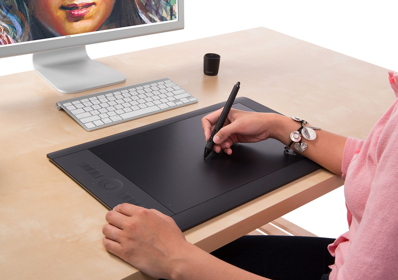 Wacom Intuos Pro Review – Why Should You Buy This Tablet?